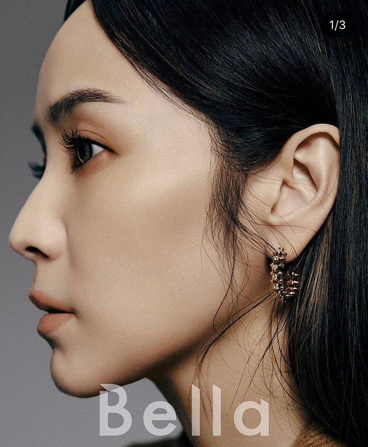 侯佩岑演繹Clash de Cartier系列珠寶登上時尚雜誌封面。圖/取自IG...