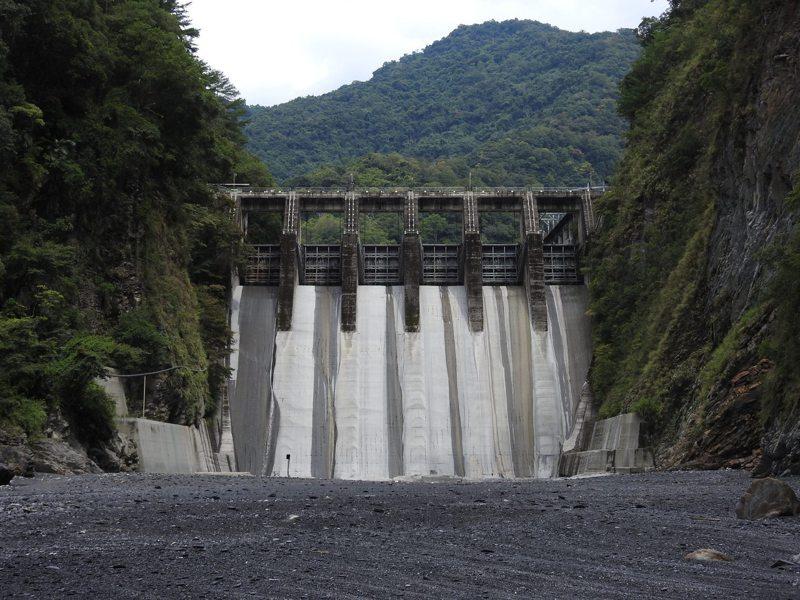 台電表示,武界壩最左邊的那個閘門就是故障6號閘門。圖/聯合報系資料照片