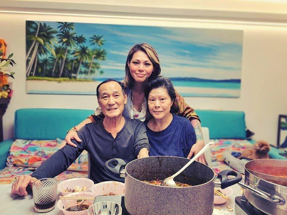 陳惠敏(左一)認罹患肺癌。 圖/擷自陳惠敏IG