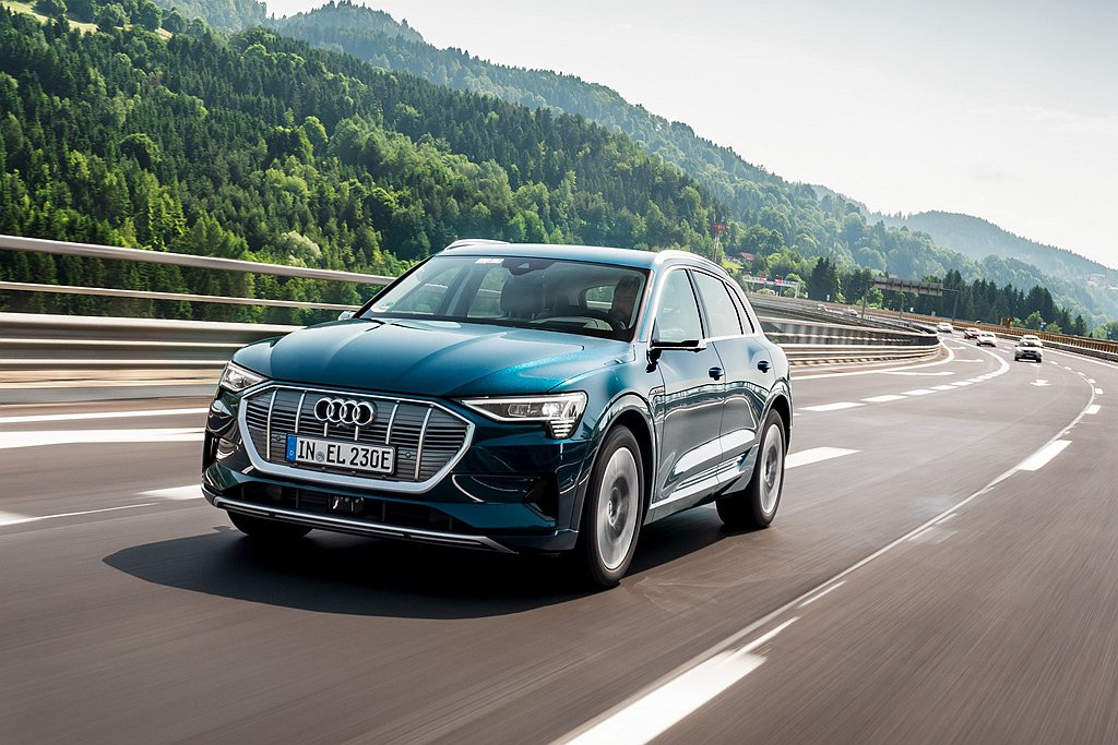 四環首輛純電電動車Audi e-tron 將於今年年底與國內消費者見面,台灣奧迪...