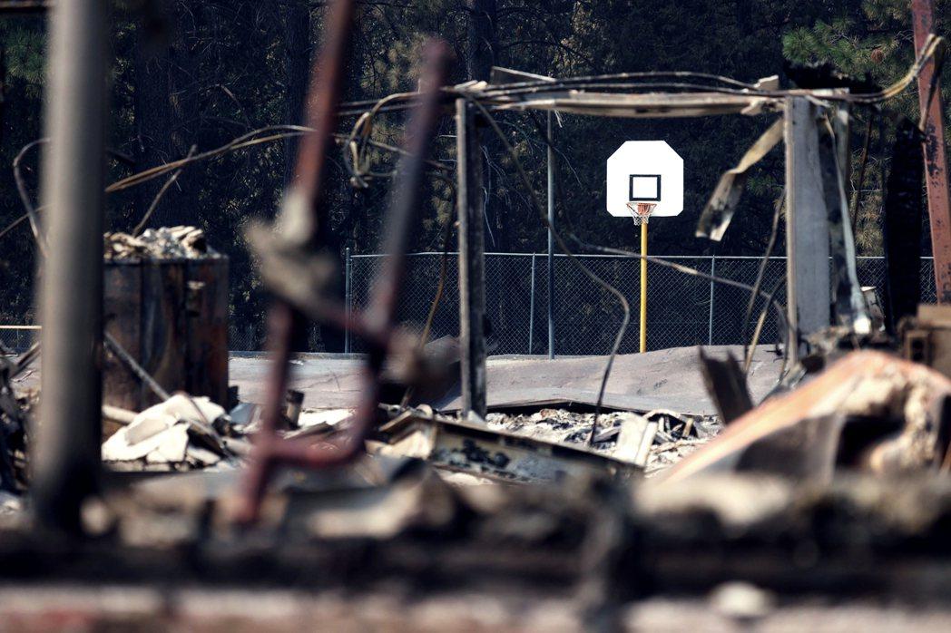 川普總統的加州視察行程,原本是南下亞利桑那州的鳳凰城選舉造勢,但由於加州大火過於...