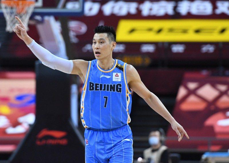 北京首鋼在林書豪發文宣布離隊後,後表示尊重他的決定,並提到對夢想的不懈追逐,才是「林來瘋」的源起。 新華社