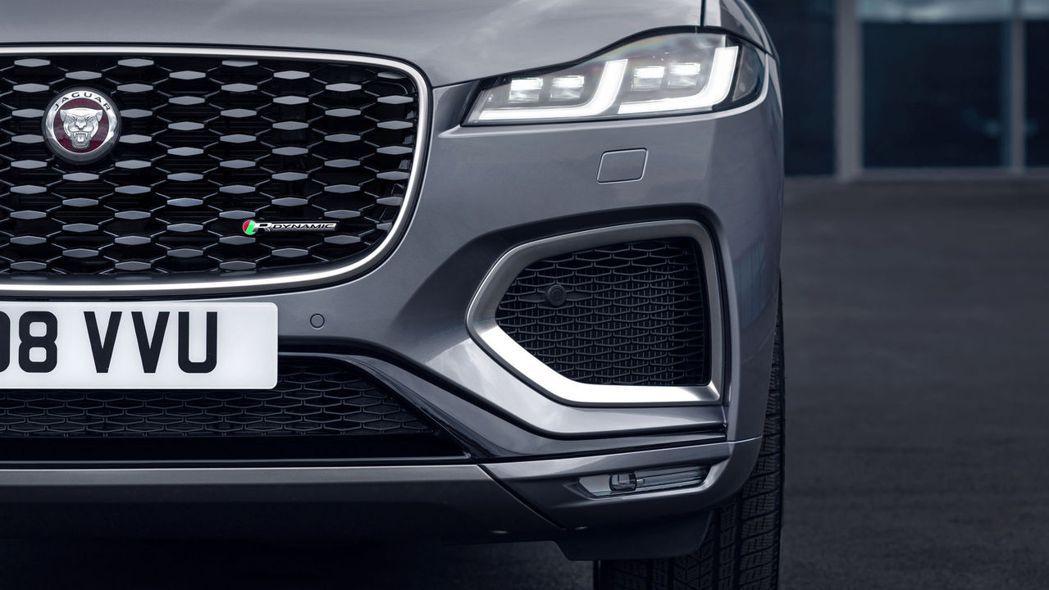 換上Double J日行燈設計的新型超薄全LED燈組。 摘自Jaguar