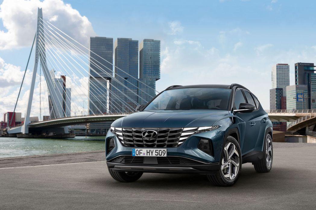 第四代Hyundai Tucson在韓國國內共提供三種動力,包括2.0L柴油渦輪...