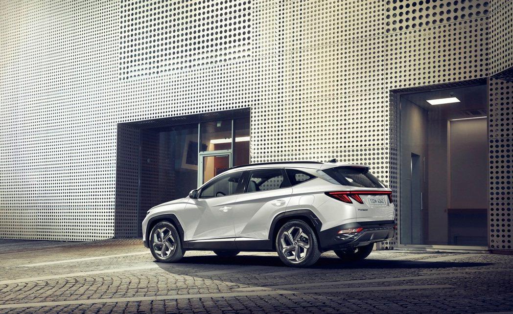 全新Hyundai Tucson Hybrid將率先於十月在韓國正式發表。 摘自...