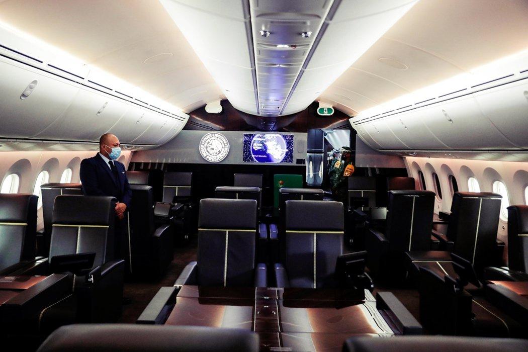 這架「夢幻客機」僅設置有80個頭等艙座位,還有一間「總統套房」及私人衛浴空間。 ...