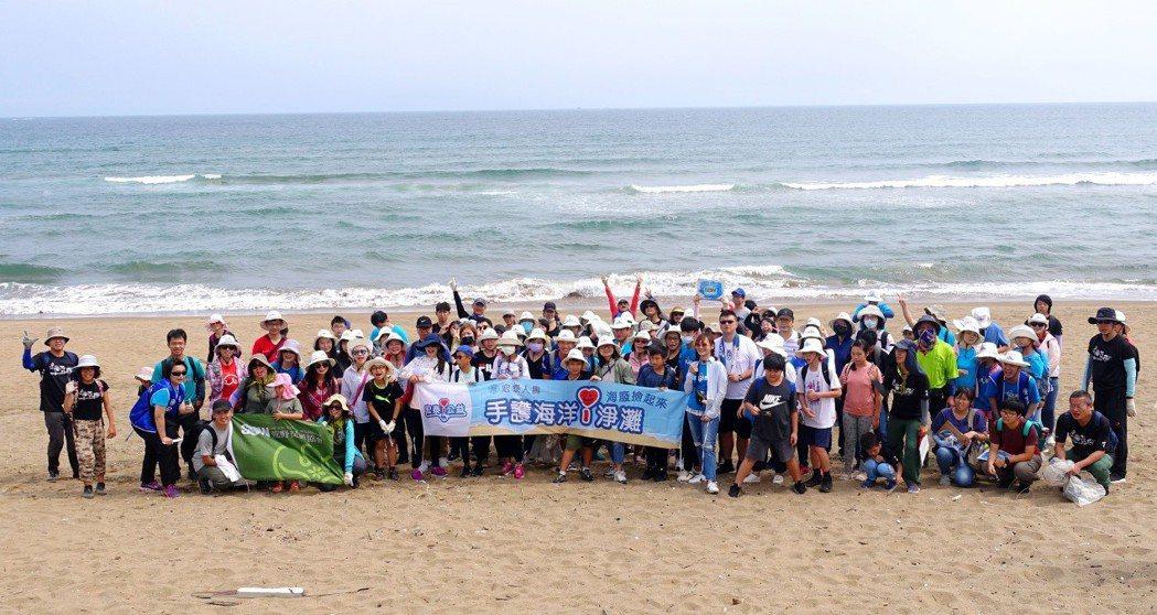 「宏泰i公益」志工團總計出動82位志工進行淨灘,共計清出178.7公斤海廢。圖/...