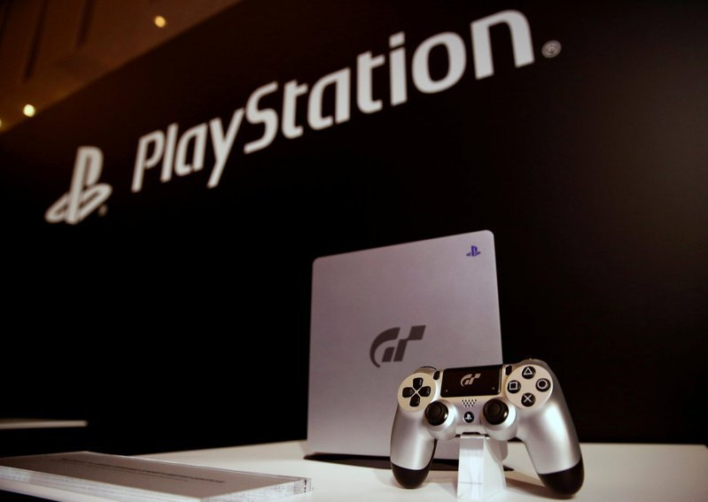 知情人士表示,Sony已將今年度PlayStation 5遊戲主機預估產量調降400萬台,原因是晶片生產良率欠佳。(路透)