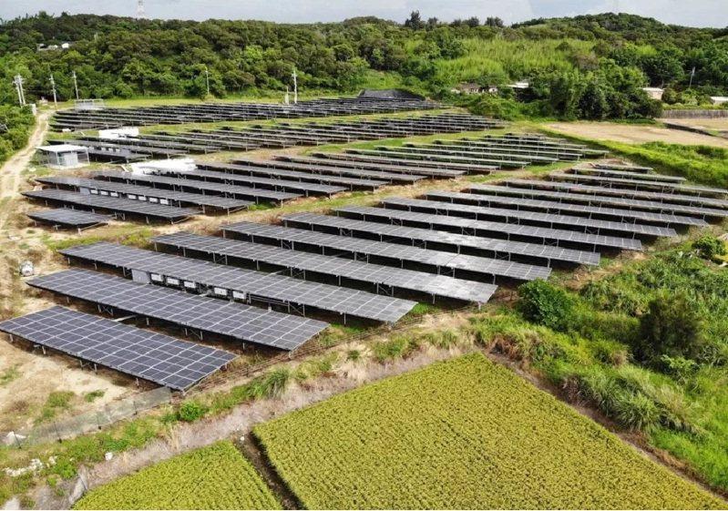 為遏止農地種電亂象,台東縣府不再同意2公頃以下申請案。圖/聯合報系資料照片