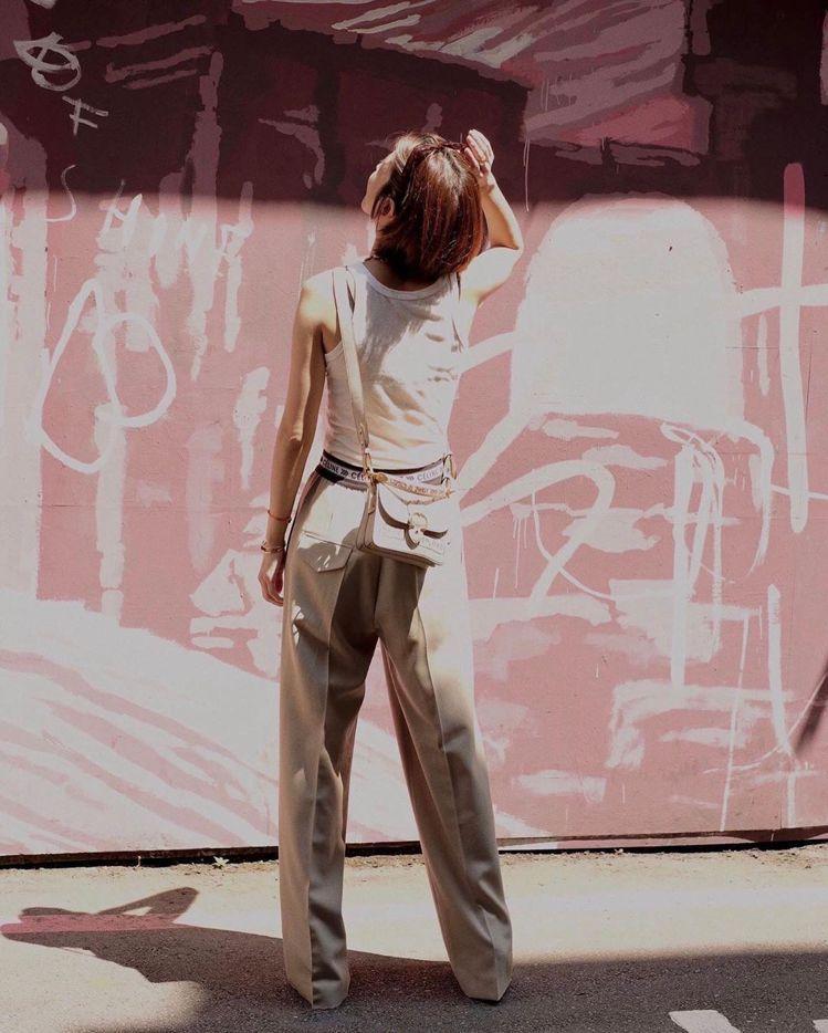 陳庭妮詮釋COACH X Jean-Michel Basquiat Beat手袋...