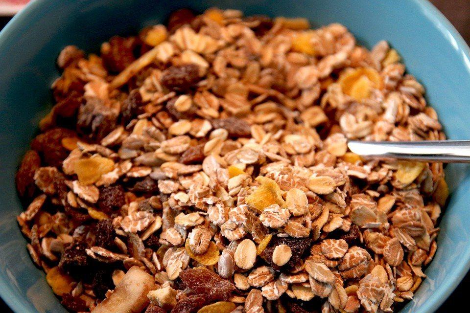有陣子很流行吃麥片,臨床上看到很多吃麥片吃到尿酸過高,膽固醇下降卻有限的病人。 ...