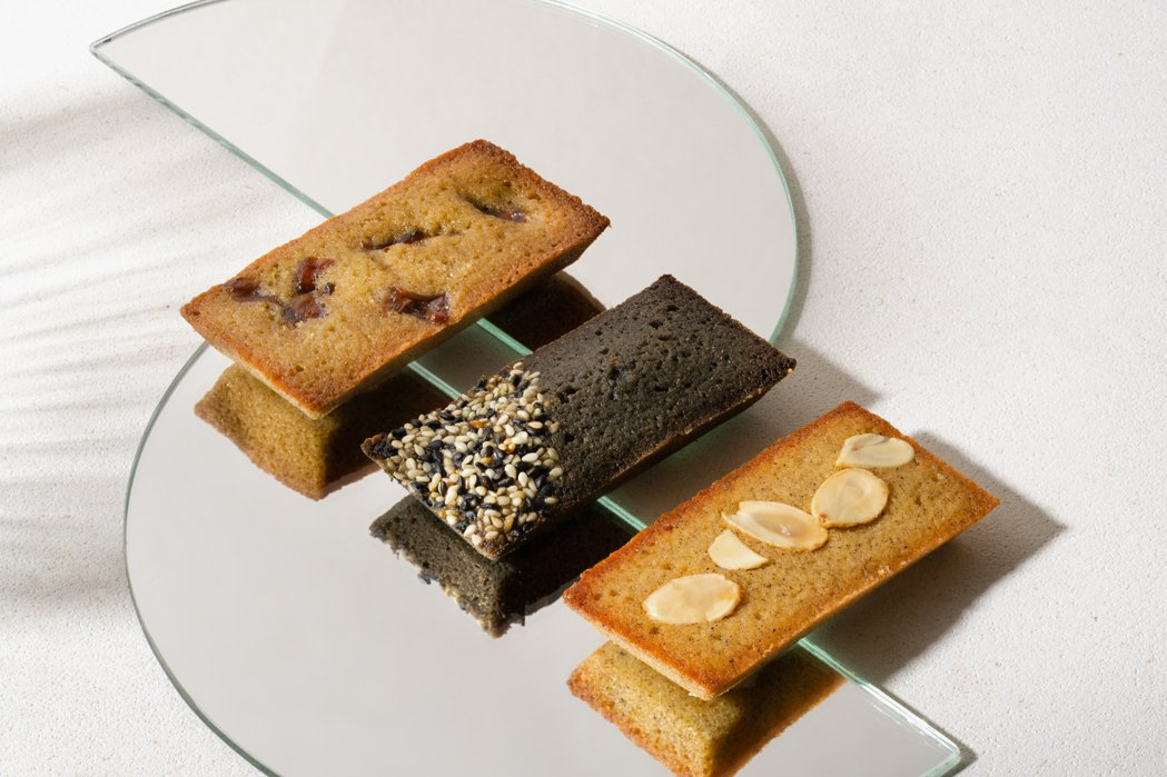 費南雪口味:麻油芝麻、焙茶桂圓、鮮乳坊焦糖煉乳。 圖/點點甜甜提供