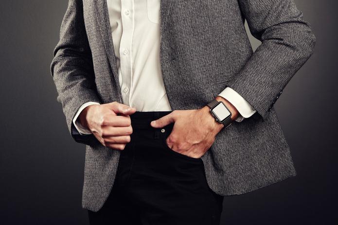 蘋果手表恐搶瑞士表生意? 網笑:一個測血氧一個測口袋深度