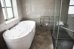 如何防止浴室滑倒? 網友曝地上可以放這一物:不是擺好看的