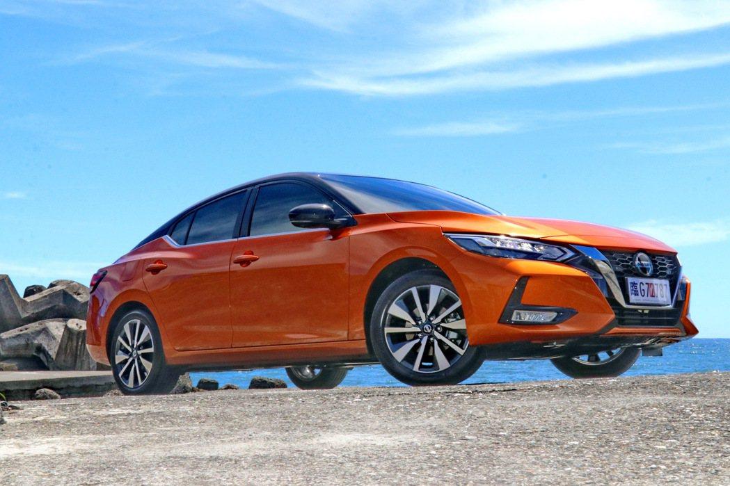 Nissan Sentra這次以更為動感的外型切入市場。 記者陳威任/攝影