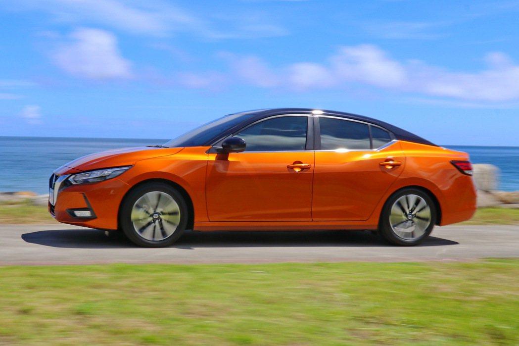 全新CMF平台重心較低又擁有良好車體剛性的加持下,有助於提升駕駛人操駕信心。 記...