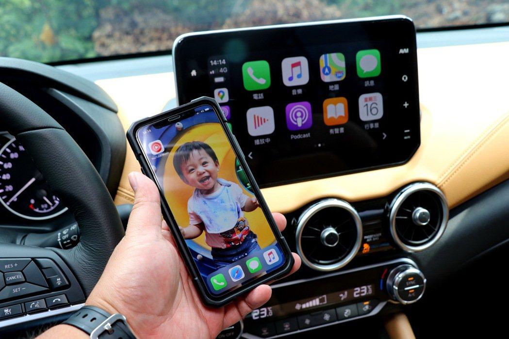 同級唯一無需傳輸線即可連結Apple CarPlay。 記者陳威任/攝影