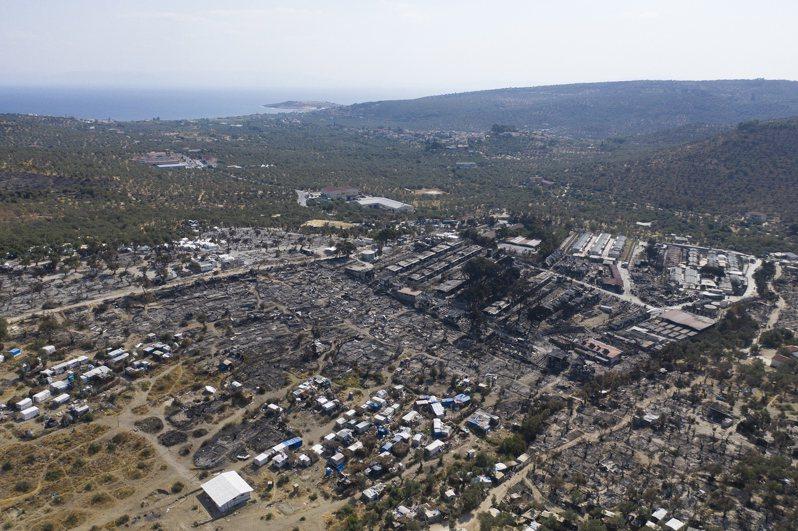 歐洲最大難民營列士波斯島(Lesbos)幾天前遭大火摧毀。 歐新社