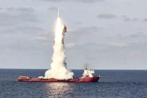 中共在昨日上午9時20分左右,在黄海海域的海上發射平台發射吉林一號高分03系列九顆衞星,自台灣上空飛過。圖/CHINA航天微博