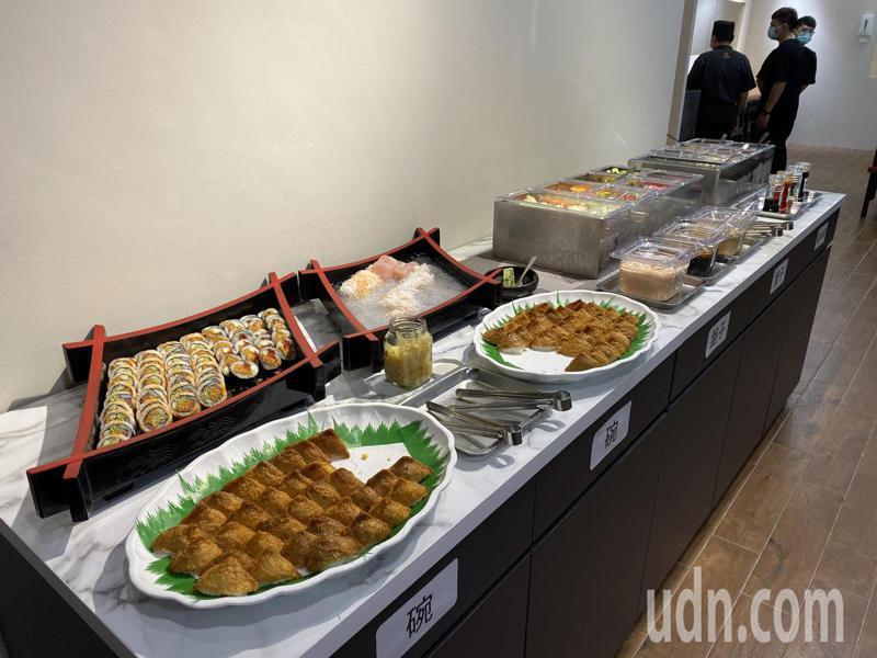 台南老字號的福樓餐廳將從19日起販售個人小火鍋、丼飯,並有沙拉吧吃到飽。記者鄭維真/攝影