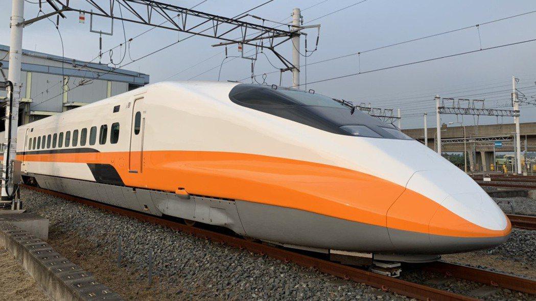 在交通部主導下,台灣高鐵董事會討論通過新的董總薪資標準,非固定薪酬(獎金)調整至...