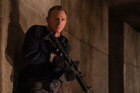 丹尼爾克雷格2015年拍完「007惡魔四伏」之後就打算收山,傳出在四方勸進之下,轉念決定再拍一集007系列電影。至於讓這位深受粉絲喜愛的現任007演員起心動念決定接拍「007生死交戰」的理由,丹尼爾...
