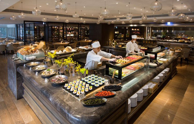 君悅酒店舉行線上旅展,凱菲屋自助餐最低可享「買1送1」。圖/君悅酒店提供