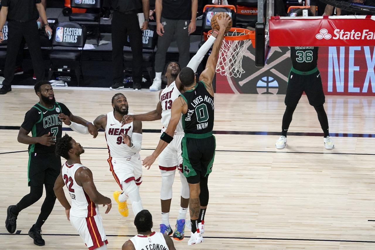 NBA/魔術強森讚關鍵防守 阿德巴約:他最棒的評論
