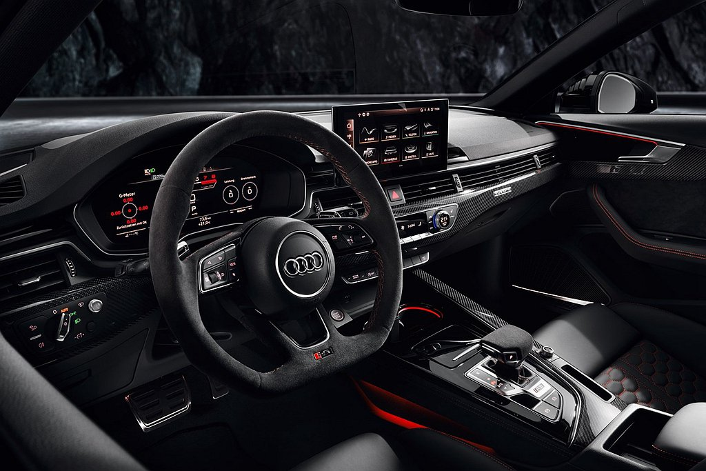 Audi RS 4 Avant內裝搭載新世代Audi全數位虛擬駕駛座艙Plus,...