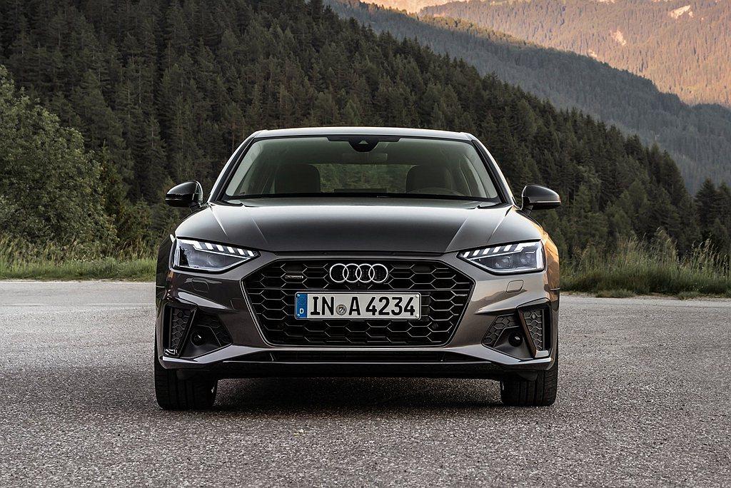 Audi A4/A4 Avant全車系皆標配先進安全科技,當中公路行車輔助套件除...