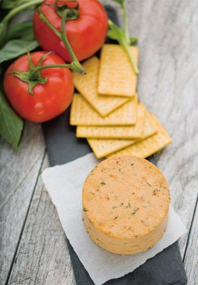 日曬番茄乾與巴西里起司乳酪。 圖/台灣廣廈提供