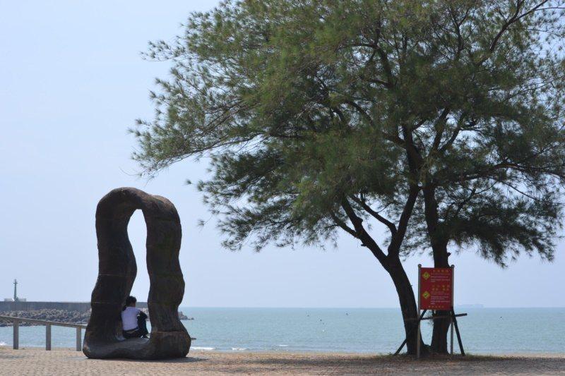 雙十國慶焰火副舞台設在台南市安平觀夕平台,是安平最美的沙灘之一。 圖/鄭惠仁 攝...