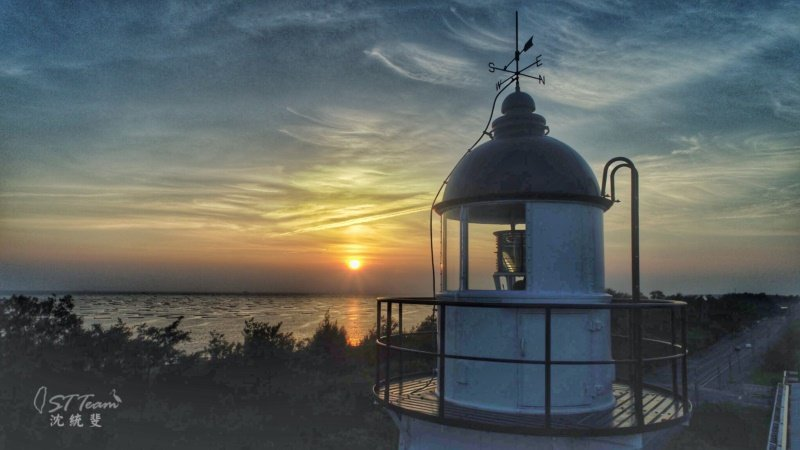 安平夕陽之美,是國慶焰火的先鋒軍。 圖/沈統斐提供