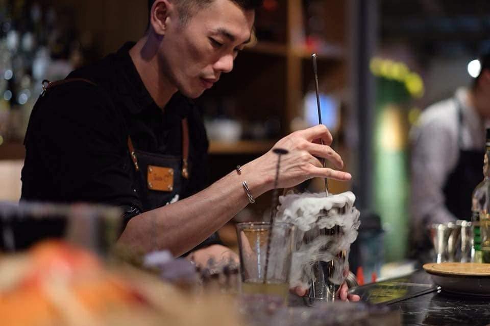 莊坤諺Jason調酒資歷17年、曾獲IABC國際煉金術調酒聖賽冠軍。業者/提供