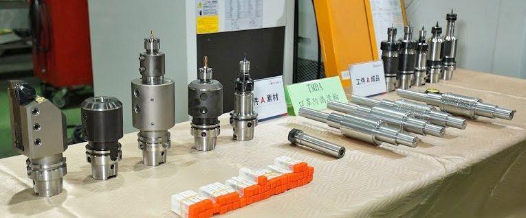 加工完成的的口罩防偽滾輪及使用的各式機械配件及刀具。 程泰集團/提供