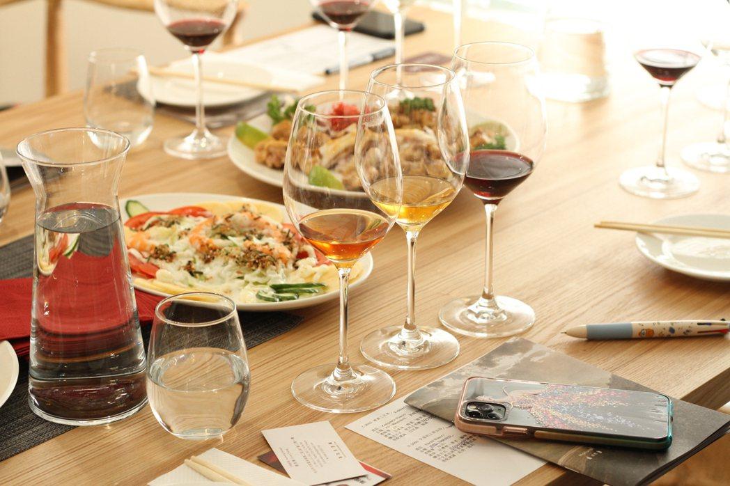 高加索地區系列酒款搭配美食相得益彰。