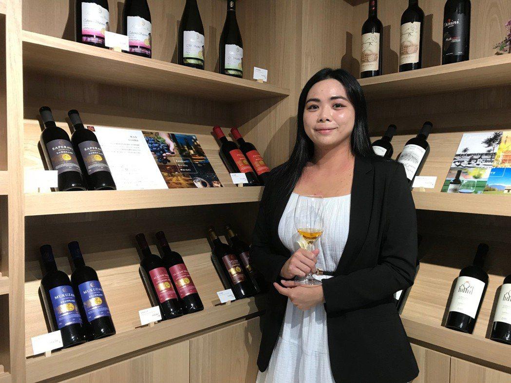 高加索酒櫃行銷經理張文憶期待台灣愛酒人士可以細細品嚐高加索酒的獨特風味。項家麟/...