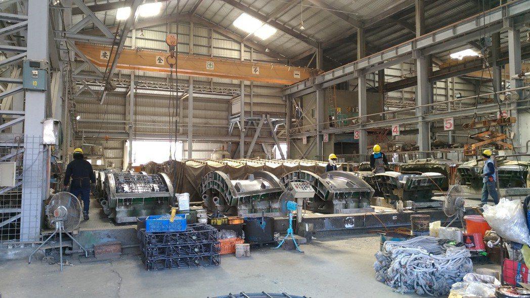 預鑄場內統一控管材料,鋼筋裁切、彎紮有固定操作人員及管理。