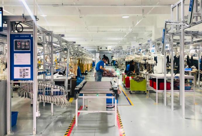 犀牛智造工廠正式對外公布,阿里宣布進軍智慧型服裝製造業。(中新社)