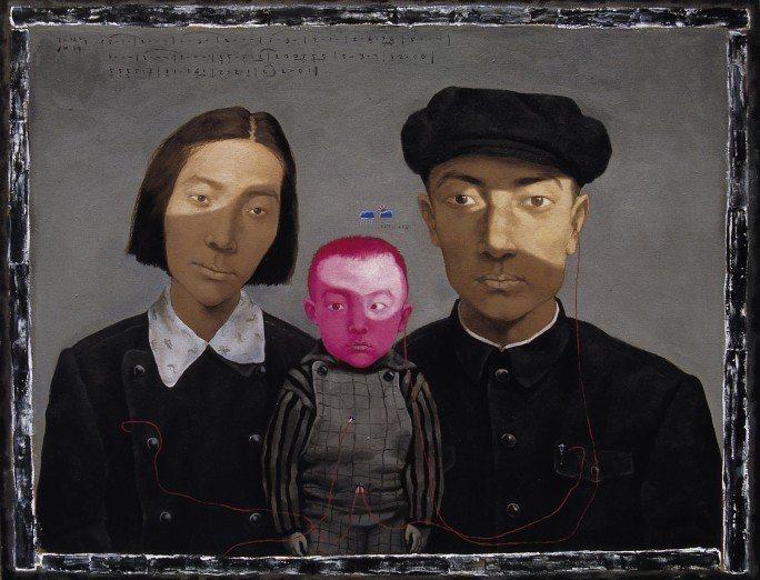 張曉剛1993年作「血緣—大家庭:全家福 1 號」是本次拍品的雛形作品之一,現為...
