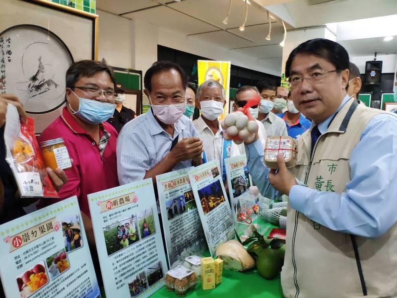 台南市政府農業局與台南市休閒農業發展協會,推出5條「5G健康遊、放心玩農場」旅遊路線,市長黃偉哲推薦遊客來賞遊。記者謝進盛/攝影