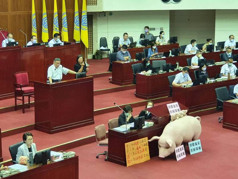 台北市議會新會期昨天開議,市長柯文哲下午赴議會進行施政報告。記者楊正海/攝影