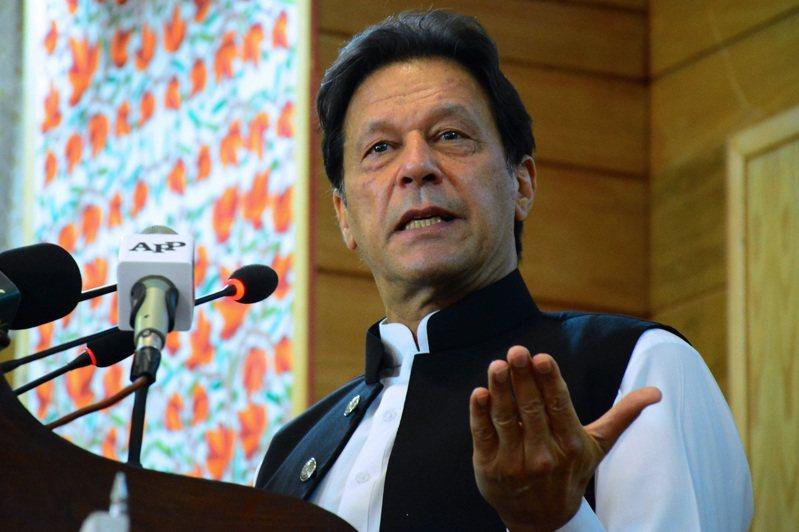 巴基斯坦總理伊姆蘭.汗8月5日向巴控克什米爾議會發表講話。法新社