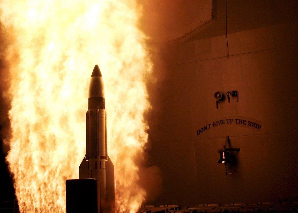 2008年「伊利湖號」神盾巡洋艦,在夏威夷西北方數百海浬處發射了一枚SM-3飛彈進行衛星攔截。 圖/歐新社