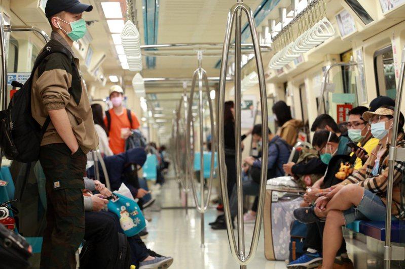 圖為民眾搭捷運示意圖,非新聞當事人。聯合報系資料照片/記者許正宏攝影