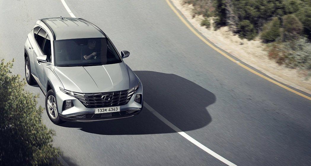 新世代Hyundai Tucson不僅推出Hybrid油電車型,更將發表綜效馬力...