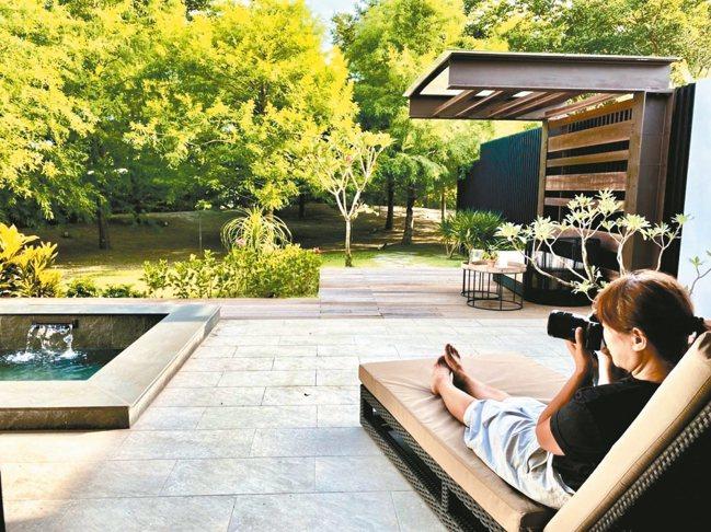 在Villa裡愜意拍照、泡湯,放自己幾天假、到花蓮秧悅美地來趟Villa輕旅行吧...