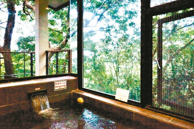 蝴蝶谷獨有美人湯、黃金湯兩種泉質,在Villa裡泡湯猶如徜徉在山林環繞的懷抱中。...