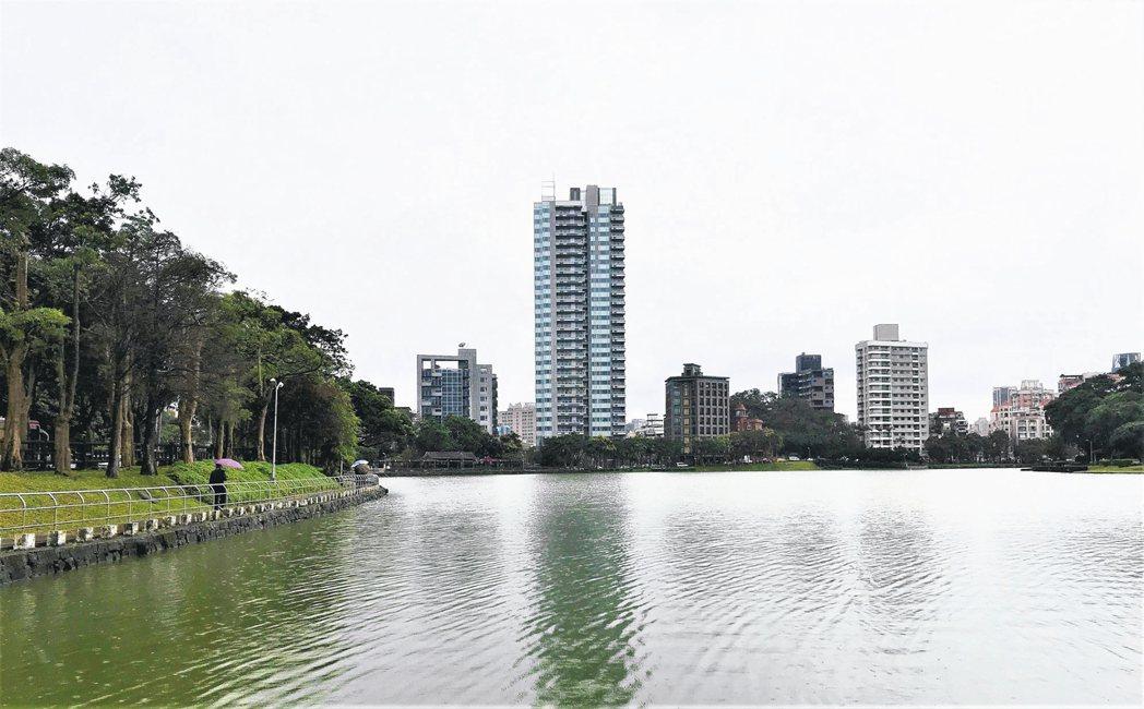 水岸豪宅今年交易表現不俗。 記者游智文/攝影