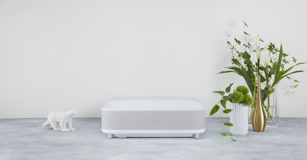 Epson EH-LS300W達3,600流明的彩色/白色亮度,更擁有2,500...